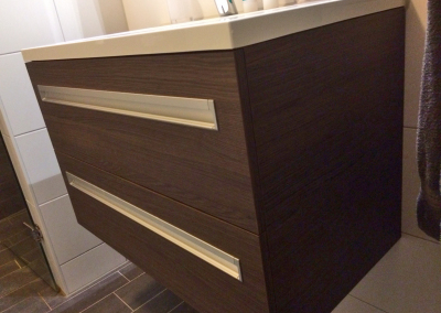 Badkamer meubel donker hout