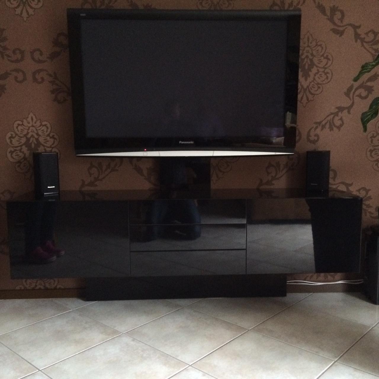 hoogglans-zwart-audio-meubel-1